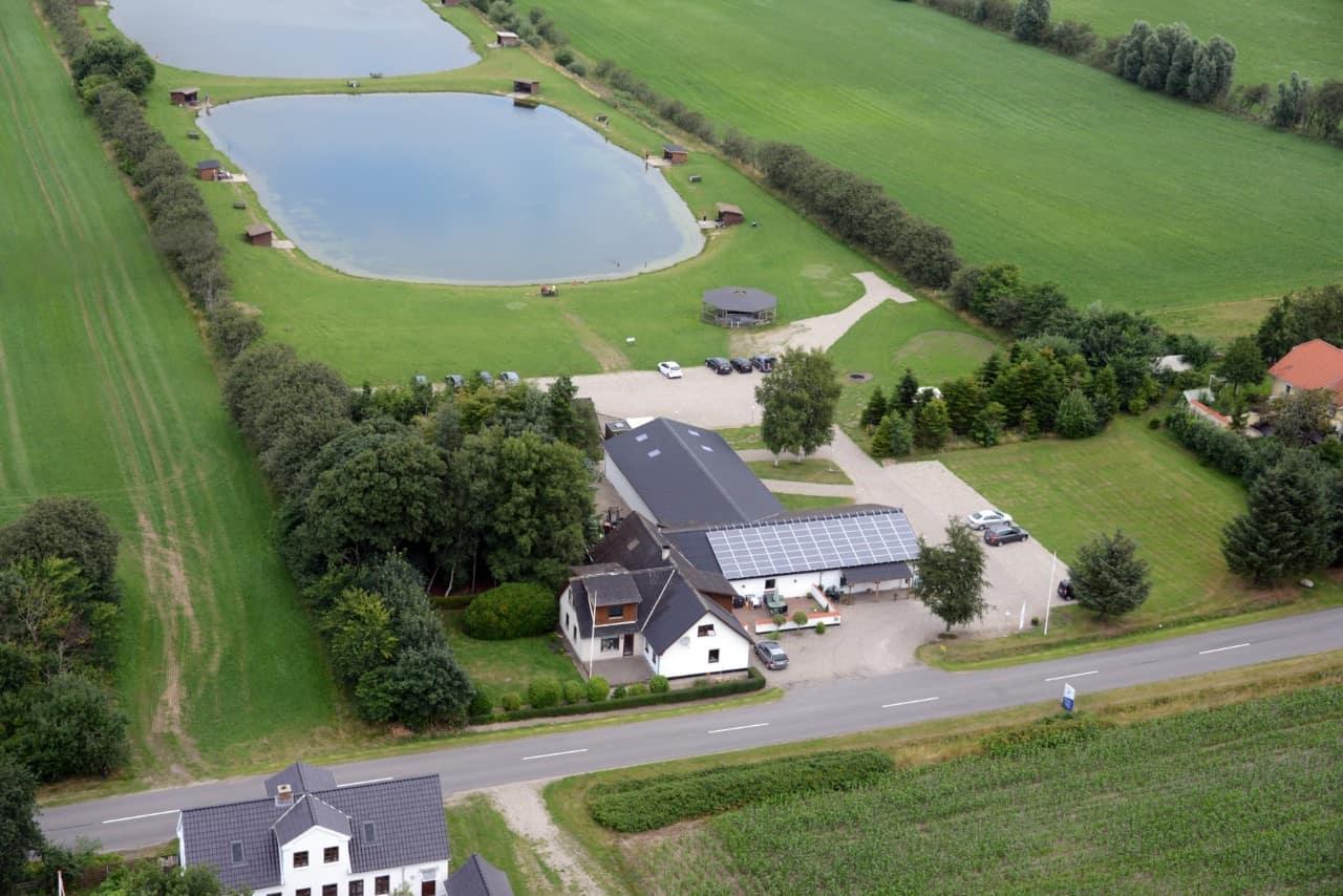 Gunderup put and take fiskesø i Nordjylland set ovenfra